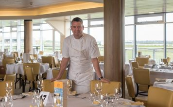 Lincs celebrity chef cooks up a treat for racecourse diners