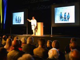 Polar explorer talk funds Lincs & Notts Air Ambulance for a day